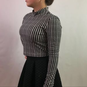 Black and white checkered crop top size S